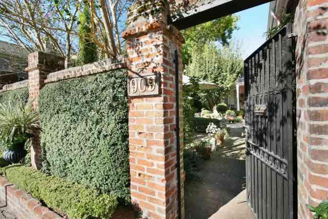 Spring Home & Courtyard Tour
